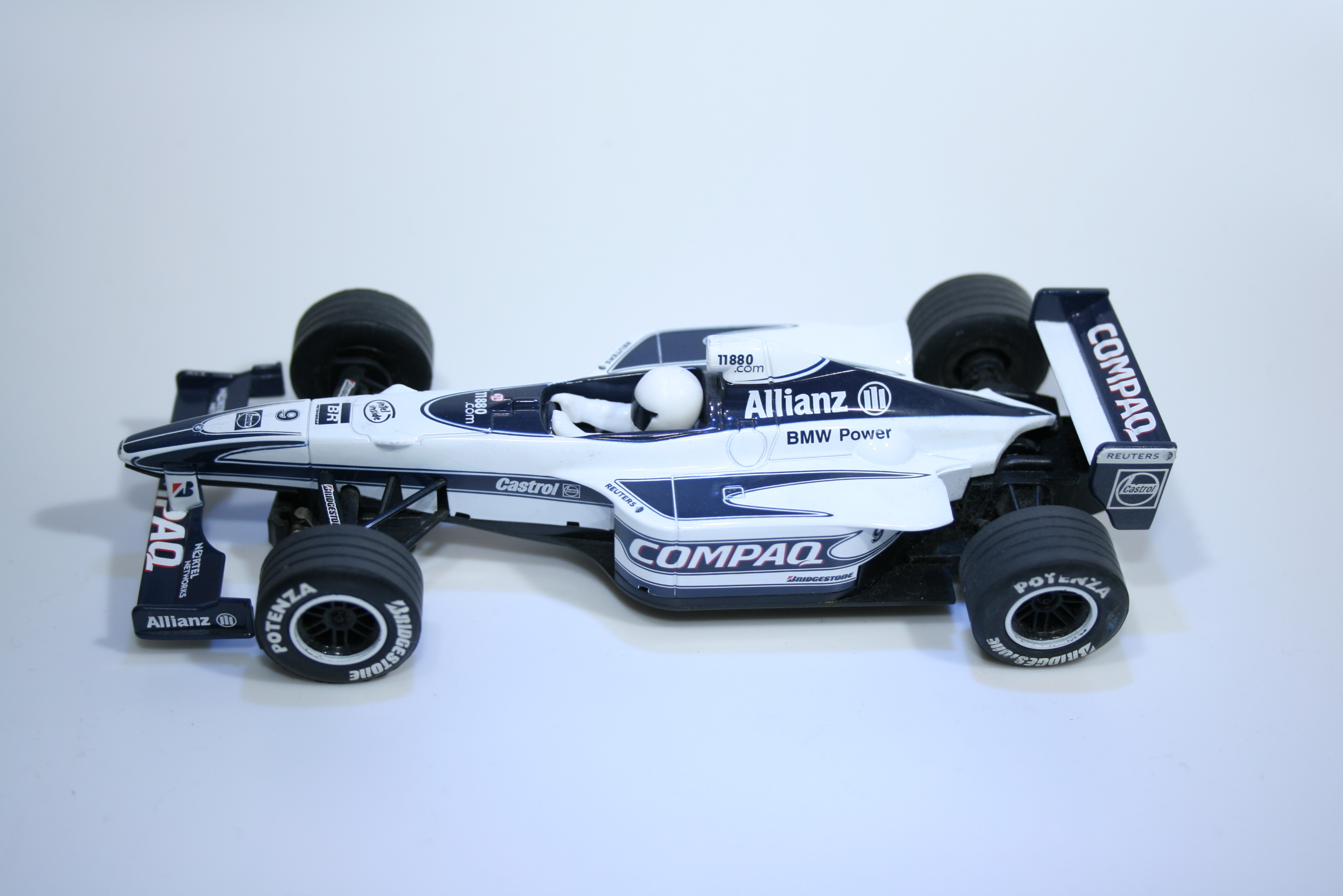 132 Williams FW22 2000 R Schumacher Scalextric C2264 2000 Boxed