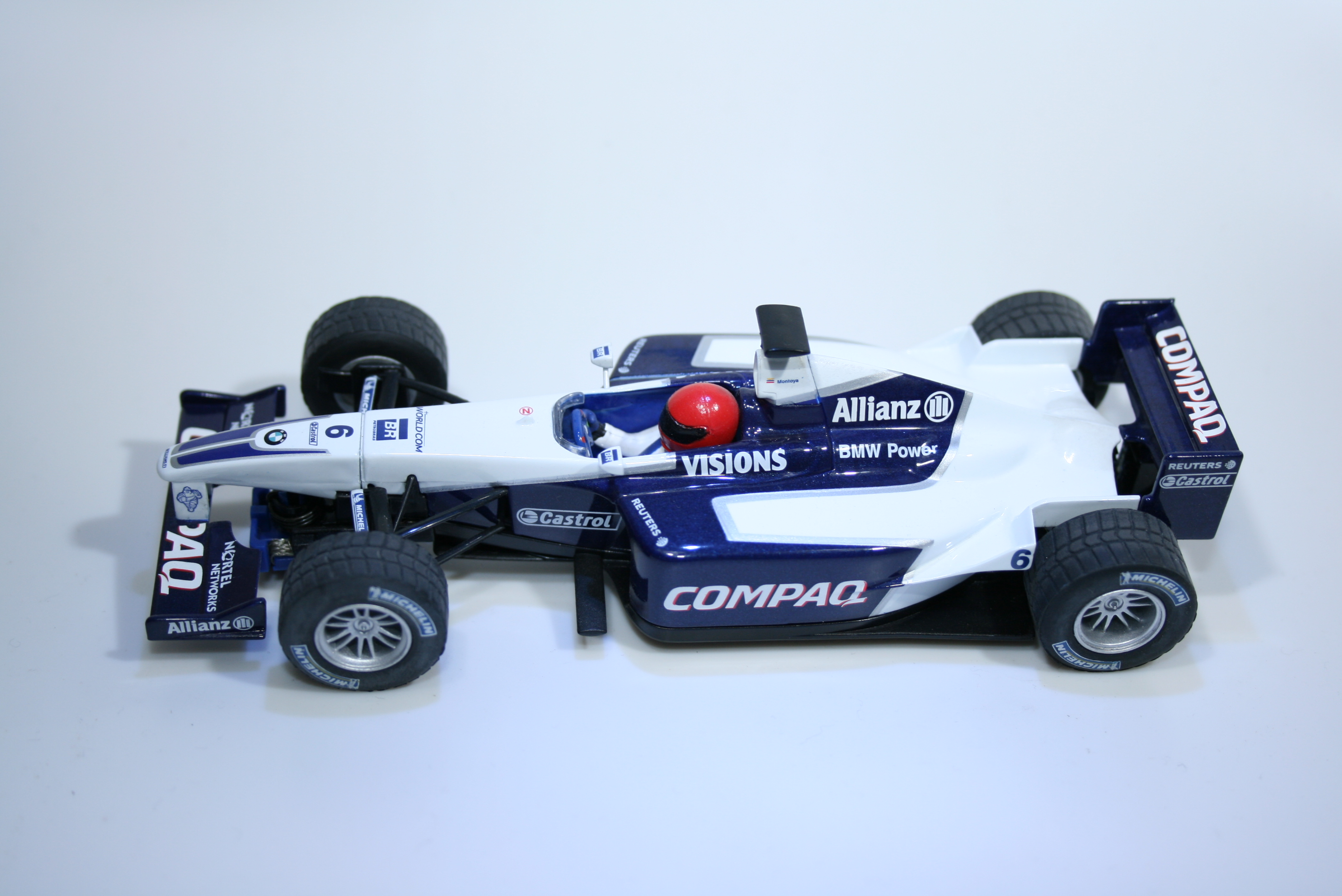 135 Williams FW23 2001 J P Montoya Scalextric C2235 2002 Boxed