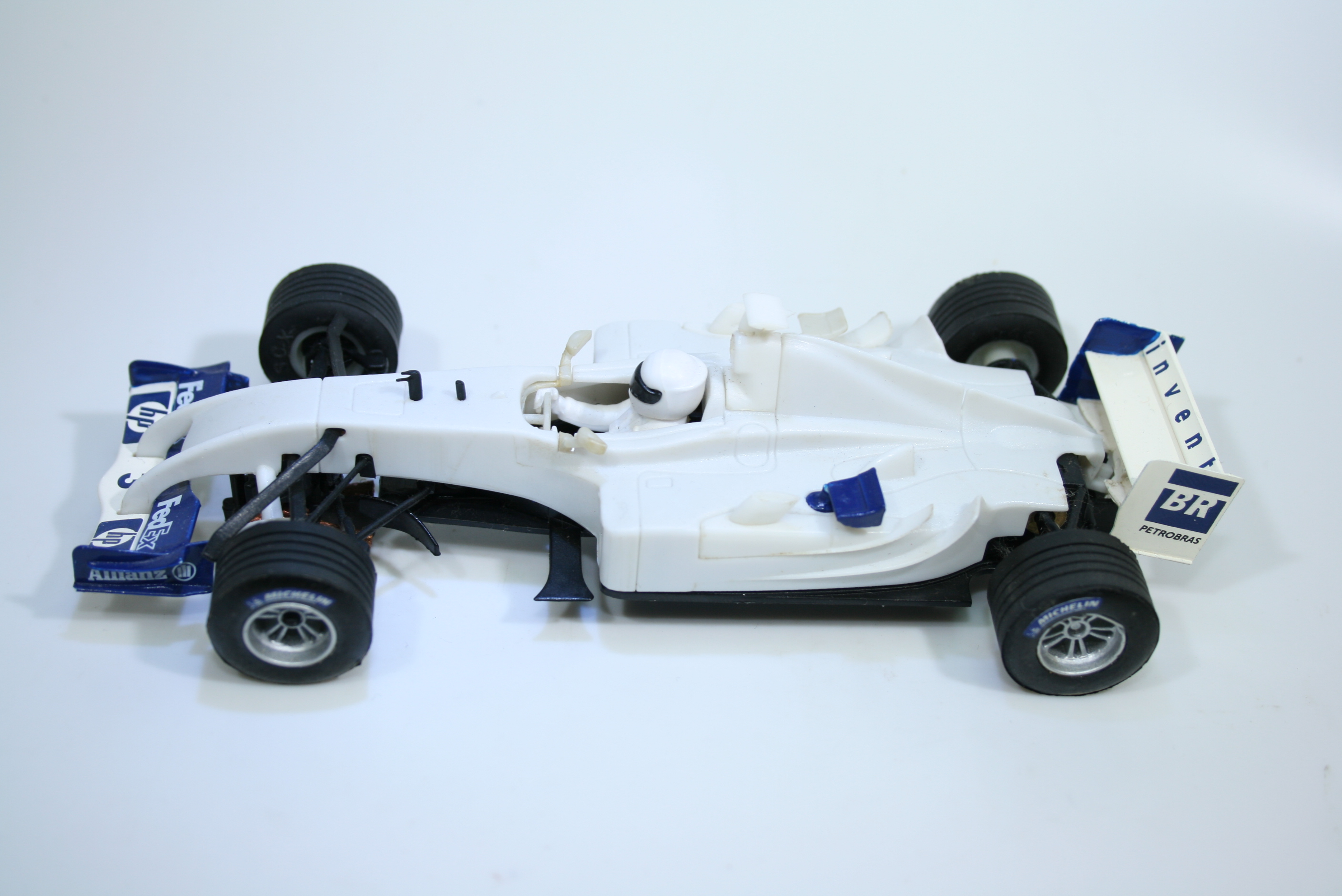 1569 Williams FW26 2004 J P Montoya SCX 61670 2004 Pre Production Sample