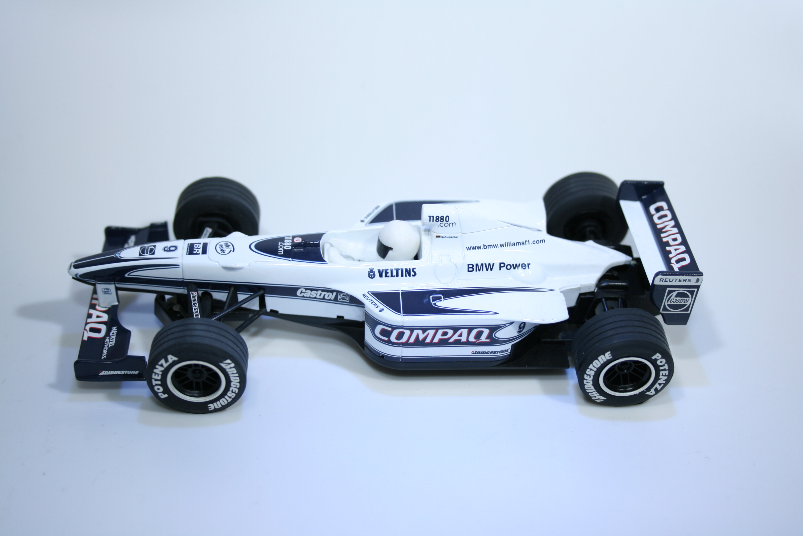 801 Williams FW22 2000 R Schumacher Scalextric C2264 2000 Boxed