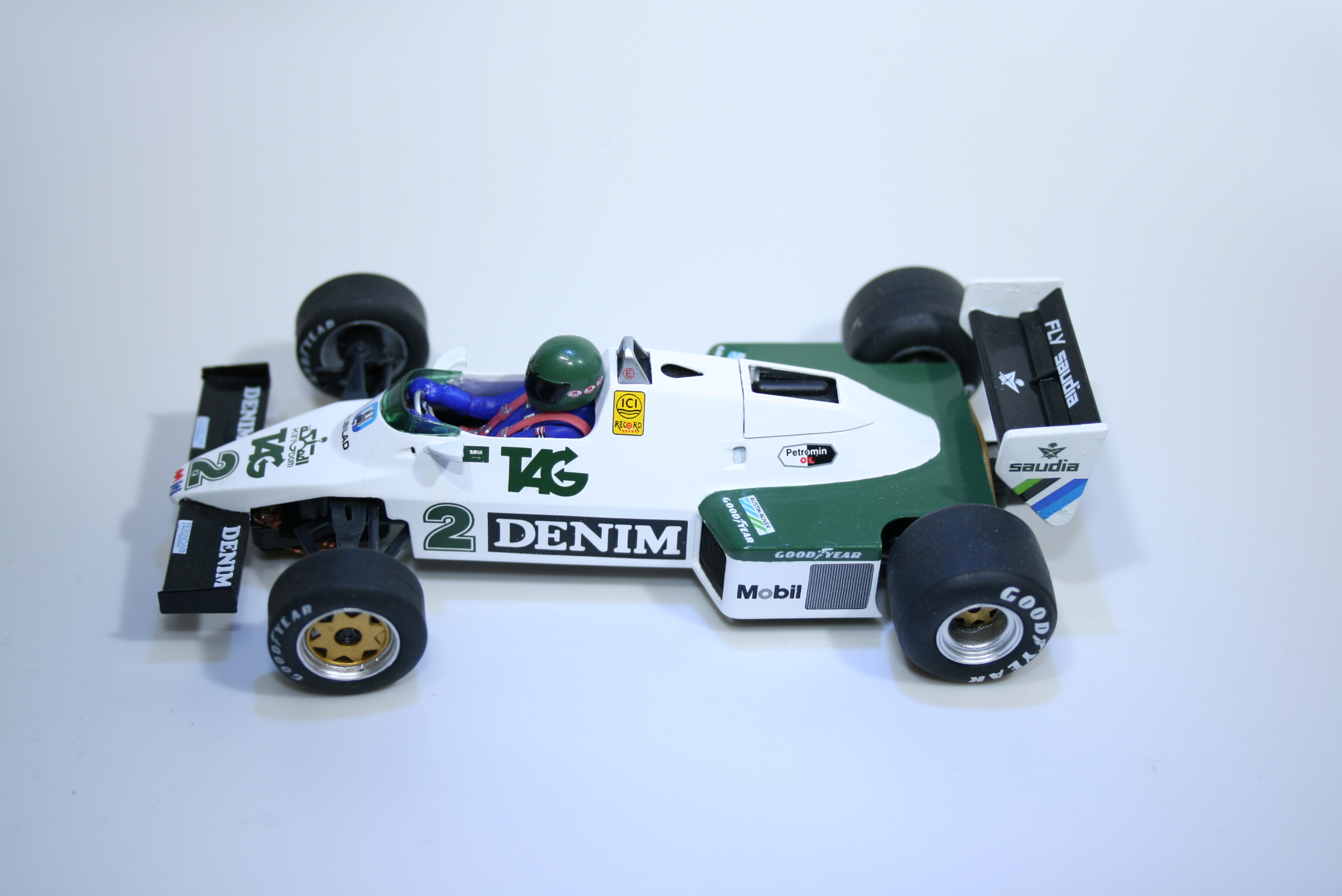 827 Williams FW08C 1983 J Lafitte Fly W40102 2014 Boxed
