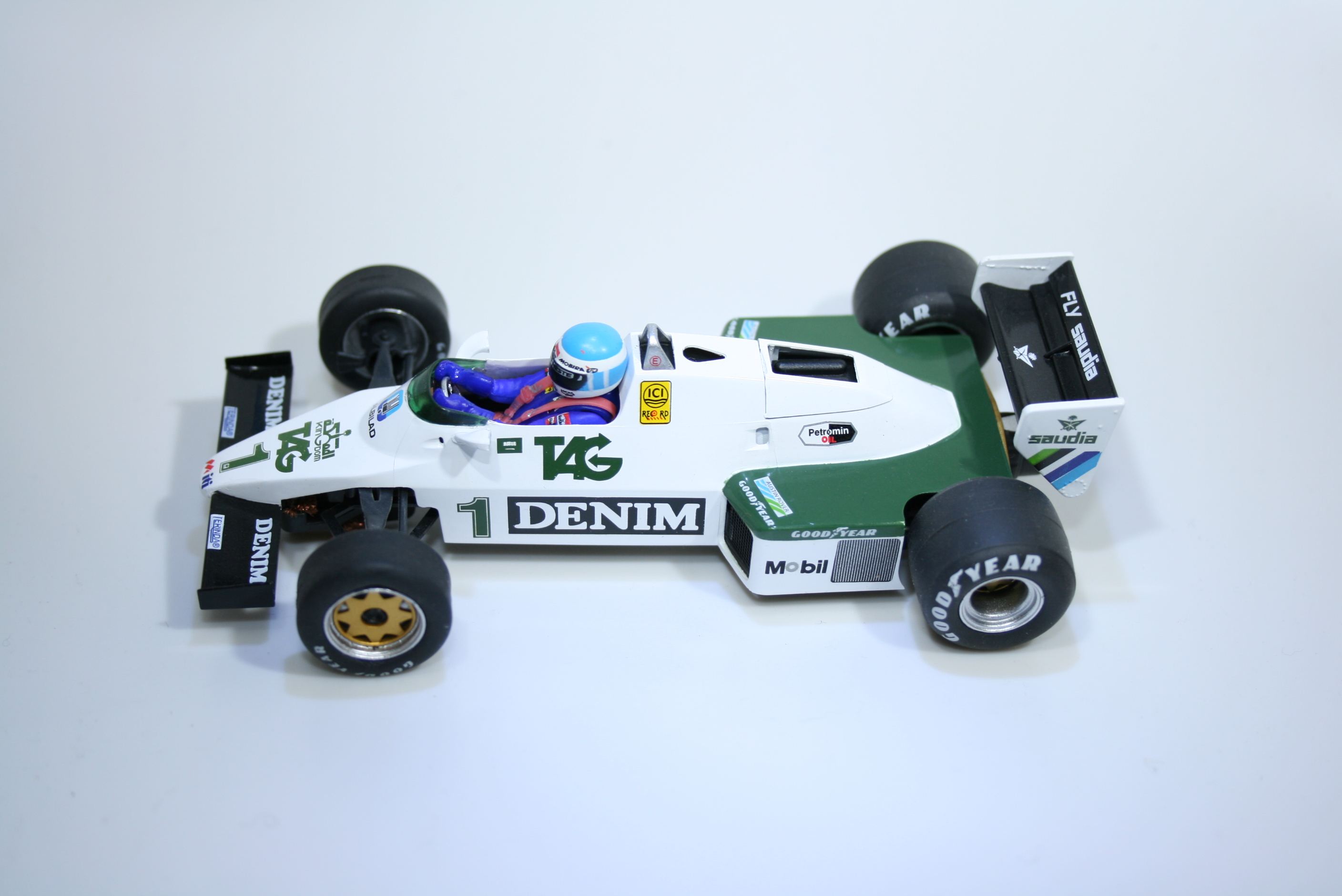 867 Williams FW08C 1983 K Rosberg Fly W40103 2015 Boxed