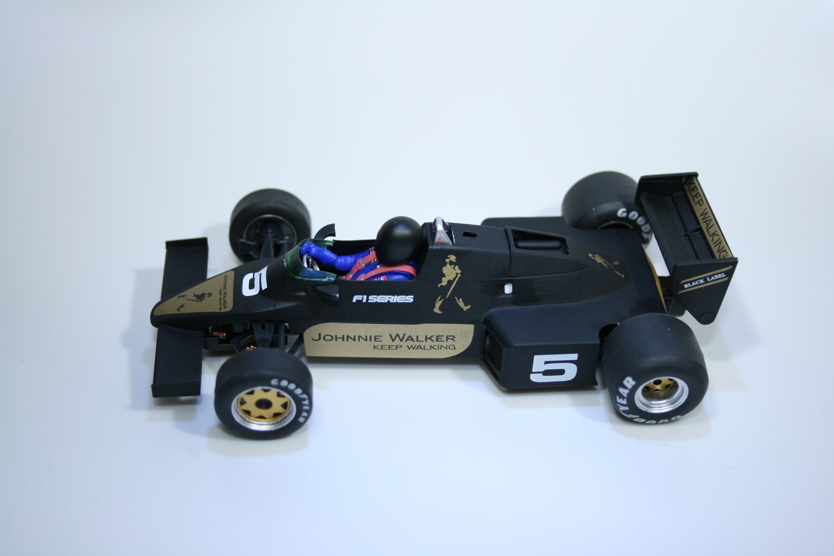 945 Williams FW08C 1983 FLY 40303 Johnny Walker Edition 2017 Boxed